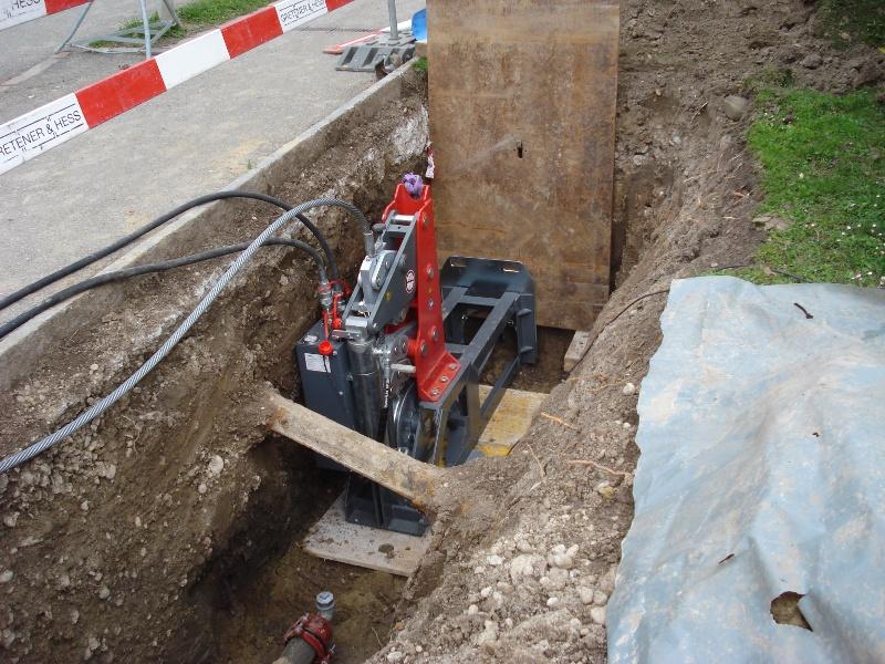 Erneuerung einer Trinkwasserleitung, Seilzug berstlining cable burster © TERRA AG, Reiden, Switzerland