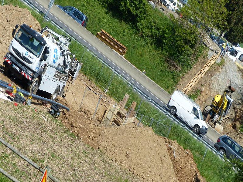 39 m gerammte Rohre unter Autobahn, 39 m (129 ft) pipe section © TERRA AG, Reiden, Switzerland