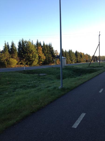 HDD Spülbohranlage TERRA-JET 2808 S verlegt Stromleitung unter Radweg, Bild 2