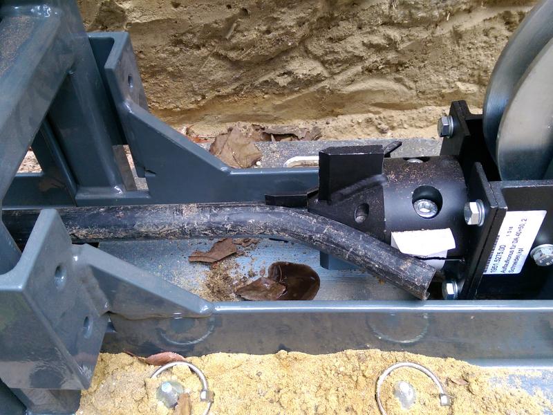 Kunststoffrohrerneuerung im Hausanschlussbereich mit dem TERRA Seilberster X 100, Bild 5