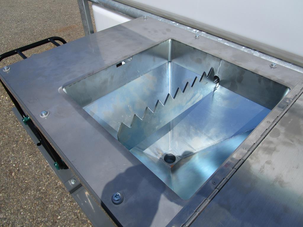 Einfülltrichter mit Ansaugsystem (Venturi)