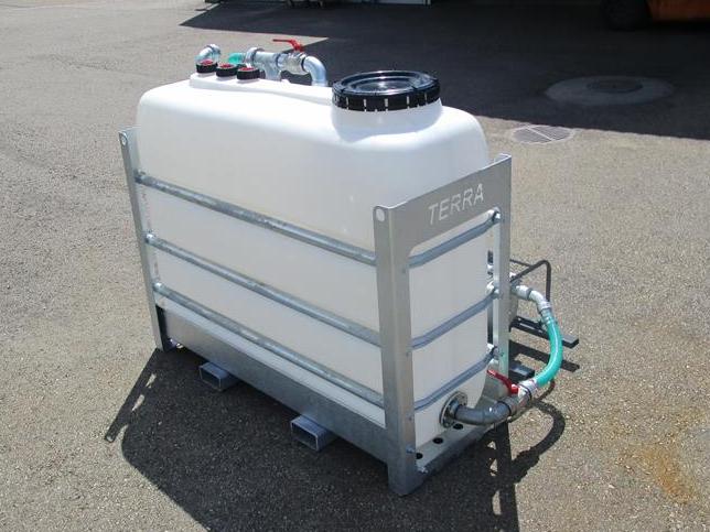 2000 oder 2x2000 Liter Tank mit Bodenspülung