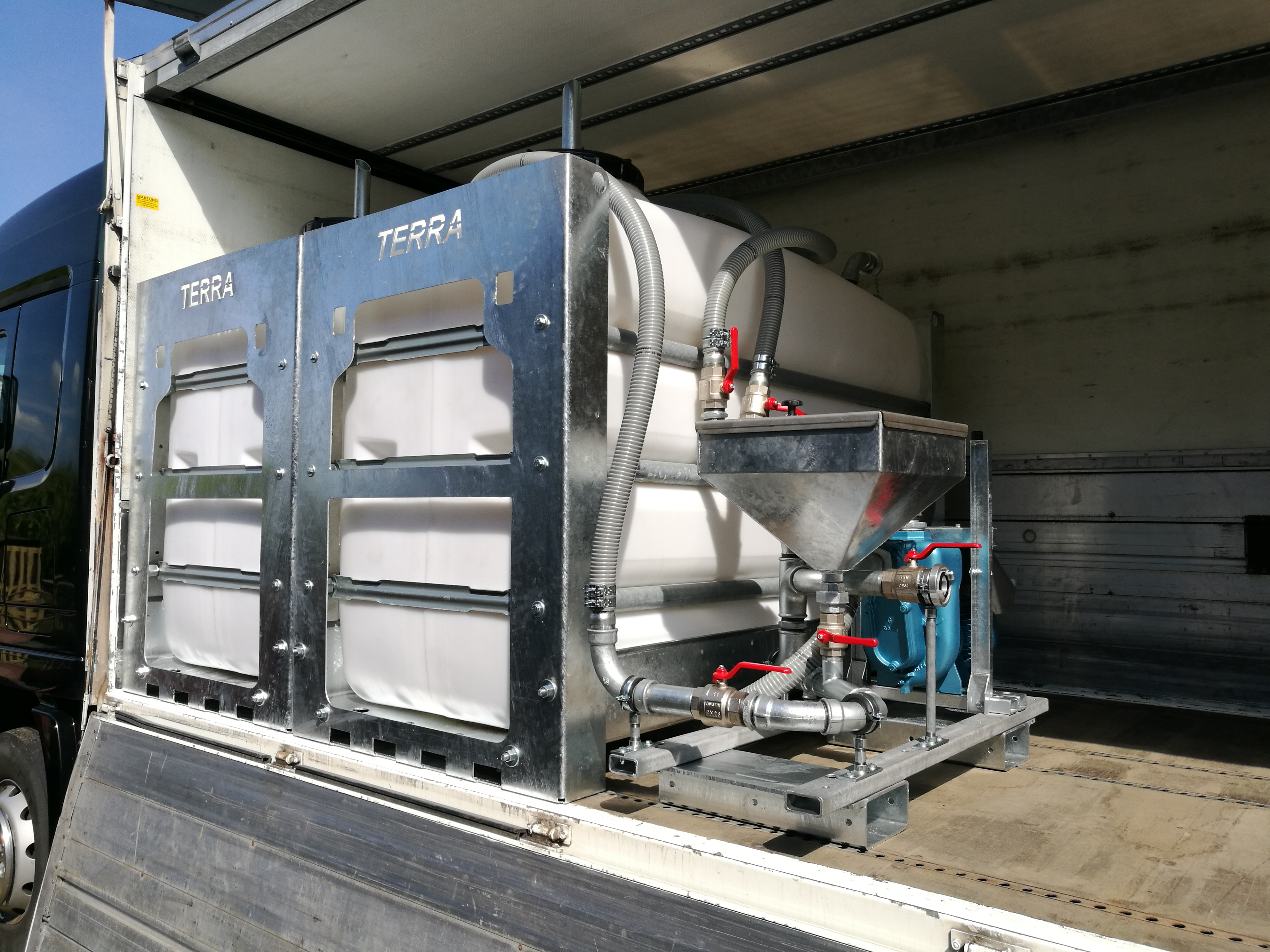 Bentonit- und Frischwassertank
